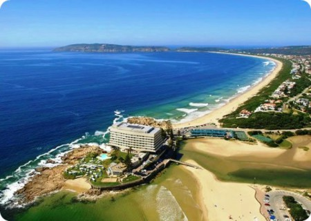 Plettenberg Bay is a tranquil and charming coastal village with unspoilt golden beaches and a dramatic rocky peninsula