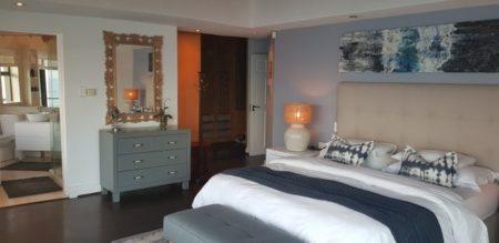 Bedroom with En-Suite at the Luxury Villa